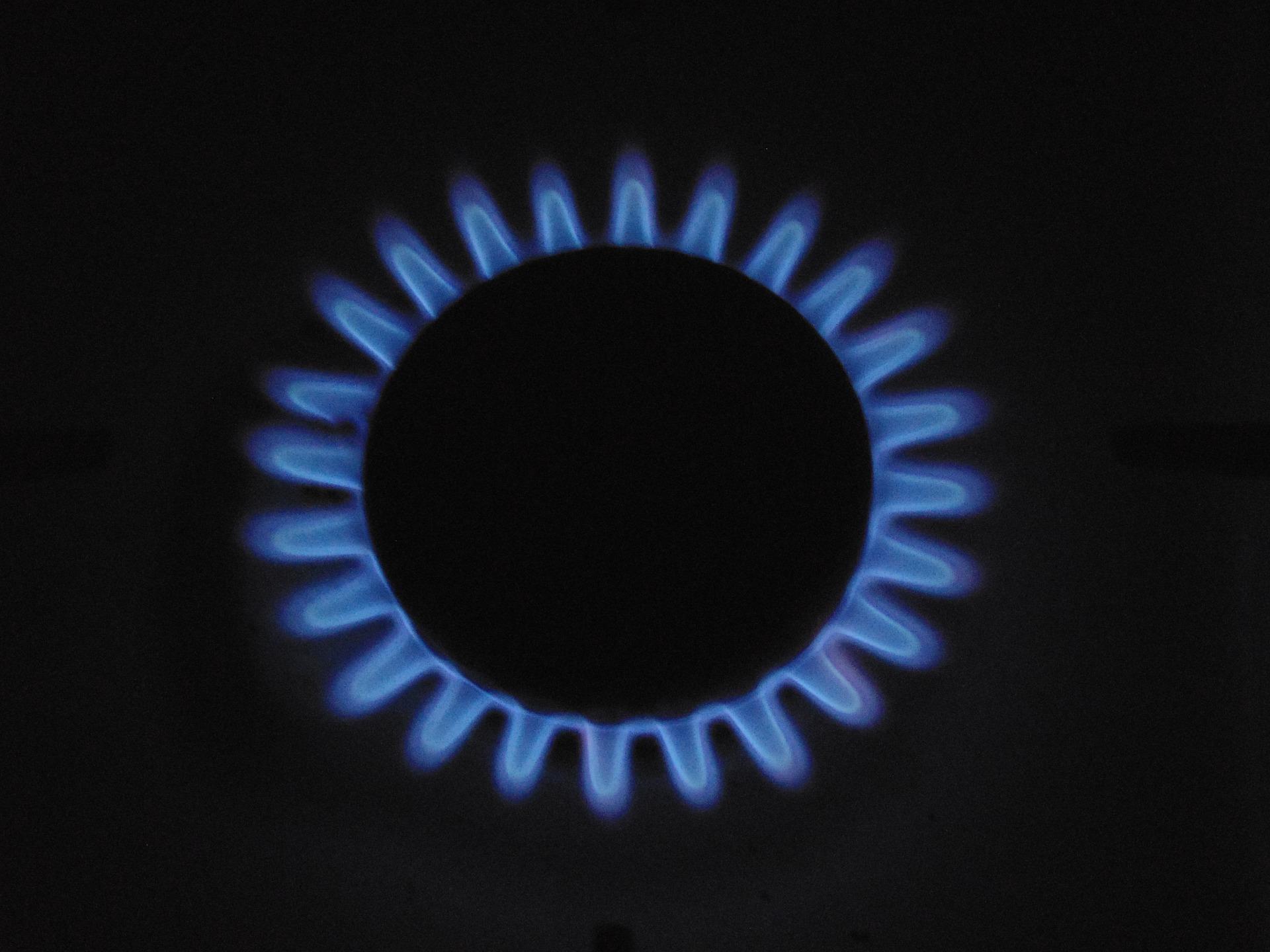 Widok na gaz ziemny w kuchence gazowej